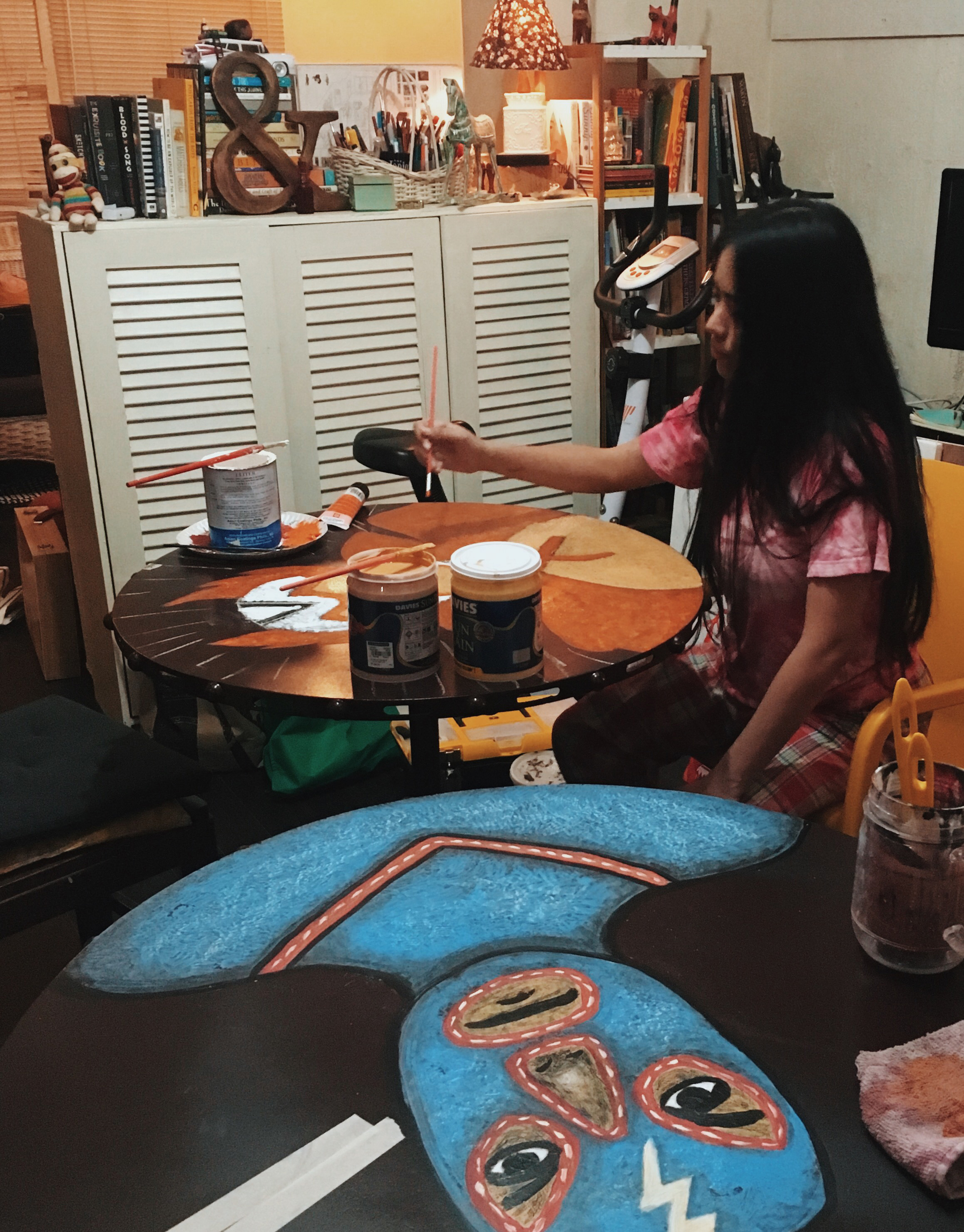 red-lizard-jo-painting-table